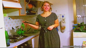 Housewife Blowjob From The 1950's!