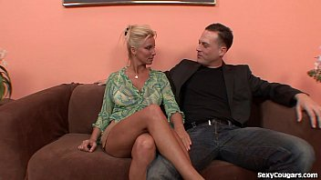Horny Blonde MILF Can't Get Enough Dick 5 min