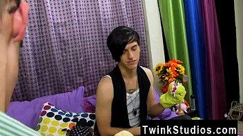 Twink movie of Taylor Lee and Jae Landen are 2 college aged twinks.