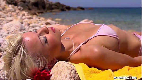 MIA MAGMA Fucking Mia on a paradise beach 13 min