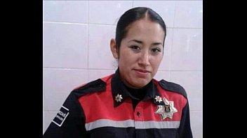 mujer policia de mexico baila desnuda