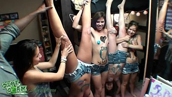 DareDorm - Dorm girls have some fun with paint