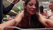 Julie Skyhigh Supermarkt GangBang (Tube)