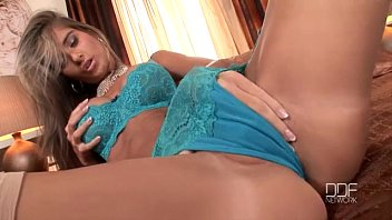 Perfect Czech Glamour model Nessa Devil double penetrates herself.