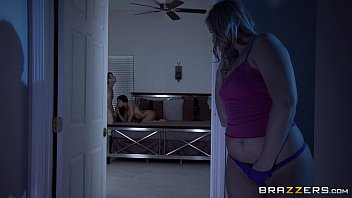 Brazzers - Cute Teen Melissa Romi takes big dick