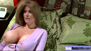 Sex Act With Huge Tits Housewife (darla crane) movie-11 5 min