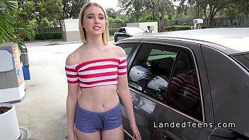 Hairy pussy slim teen bangs in car