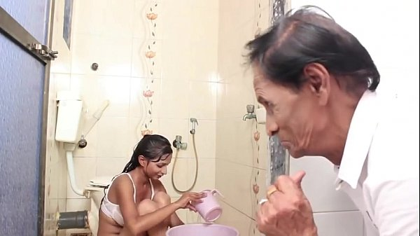 Hot b. Bathing and sex with Father in law 13 min