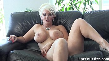 You love swallowing your own jizz!