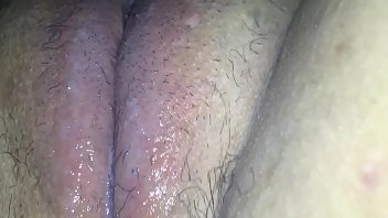 Fucking my pussy with a hairbrush 3 min