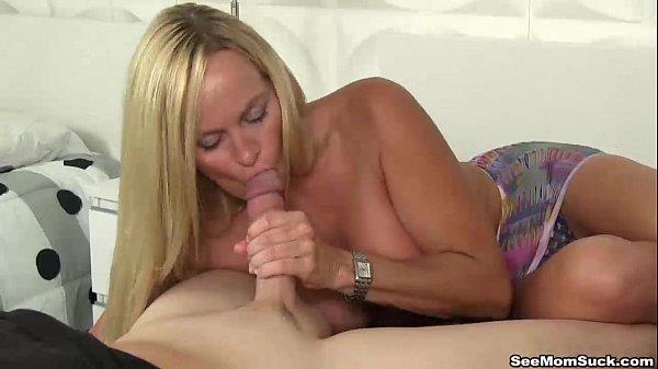 seemomsuck-Blonde milf blowjob