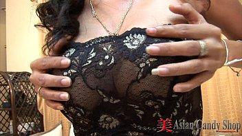 Thai Girl Minta Blowjob