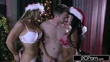 Christmas Holiday Three Way - Nicole Aniston, Peta Jensen