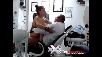 cogiendo con el dentista