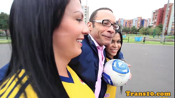 Columbian shemales threeway fuck with male