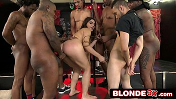 Blacks on Blondes - Valentina Nappi