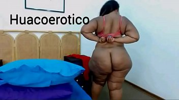 Black woman with delicious cellulite - negra con deliciosa celulitis