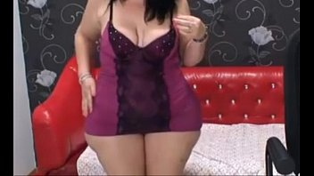 Super wide hips, huge ass girl with saggy tits dancing on cam - more videos on CAMSBARN.com
