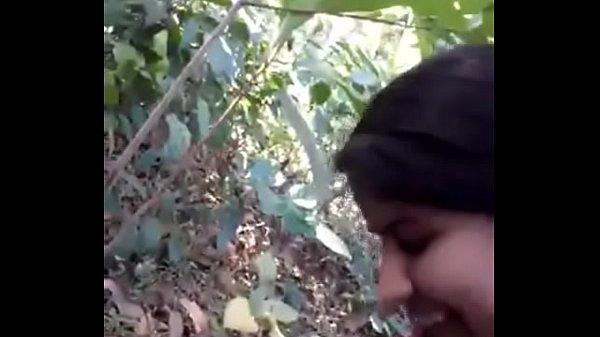 Desi girl very nice sucking n fucking in forest - HornySlutCams.com