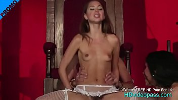 Mistress Angels makeout to please her