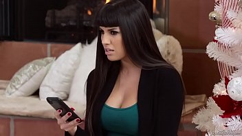 Mercedes Carrera knock out her cheating hubby 3 min