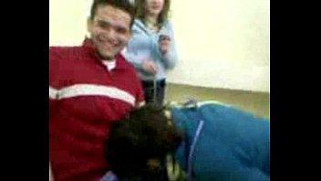 Chupa na Sala de Aula - aluna de escola   Boquete Liberado com Menina Linda.AVI