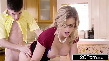 Post Party Quickie For A Mommy - Cory Chase vs. Jordi
