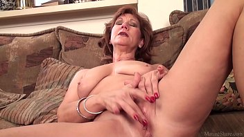 Mature mom Brook playing with her shaved pussy 12 min