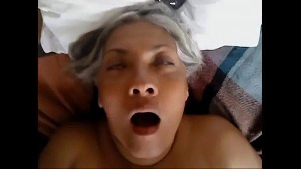 Por el culo a mi tia