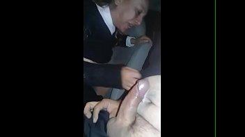 Madura mexicana se traga los mecos por accidente en el coche