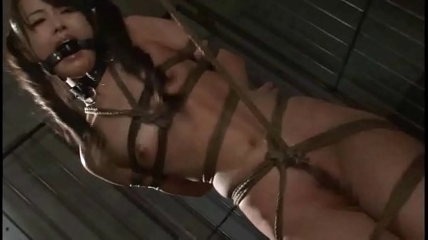 Asian cunt Suzu Wakana gets bondage t. and whipped like a whore