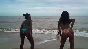 treinamento do bum bum na praia