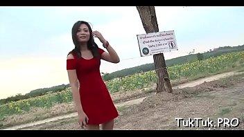 Thai bitch bonks with a sranger