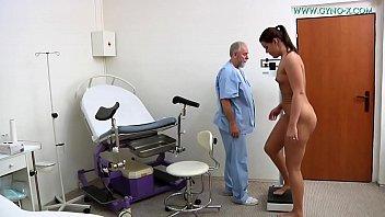 Vanny Uli went to her gynecologist 40 min