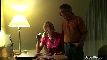 Opa fickt 18jr Stief Enkelin nach der Familienfeier