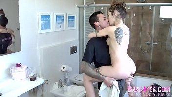 De follar en el baño a la cama. Coto y Alexa