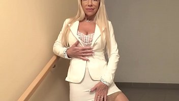 Super hot old blonde cougar sucking cock 5 min