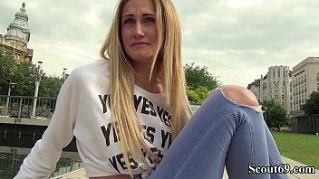 German Scout - Medizinstudentin Linda LeClair ohne Gummi gefickt