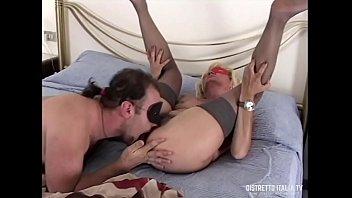 Davide e Katia coppia trasgressiva con lei vecchia troia dalla figa pelosa