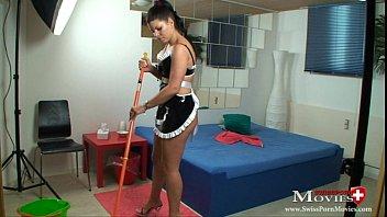 Maid Amanda Jane fucks hotel guest with sperm reward