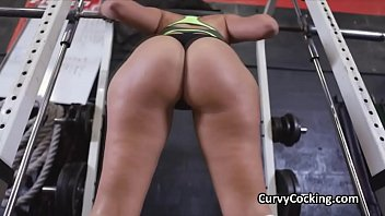 PAWG blows fat cock at gym during workout
