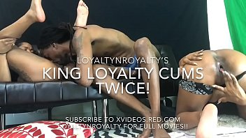 Neighbor Goes Live-Cam With LOYALTYNROYALTY!!