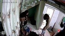 Quay trộm 2 em gái thay đồ