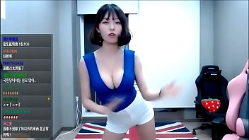 Berry0314 does sexy dance #2