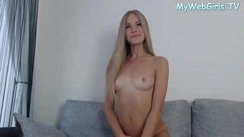 Sexy webcam girl dancing