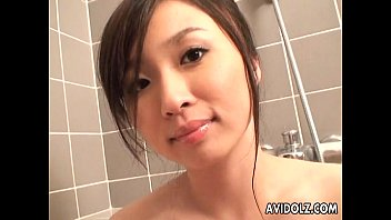Japanese hottie ends up with a nice cumshot