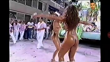 SEXY GIRLS NUDE AT BRAZILIAN CARNAVAL