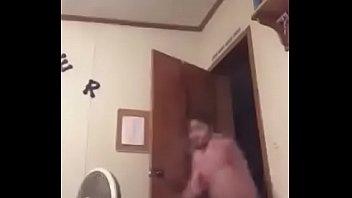 Se viene Rico en el baño Kelly rose