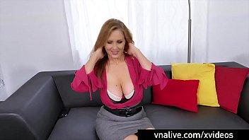 VNALive.com - Busty Milf Julia Ann Wraps Lips Around A Cock!