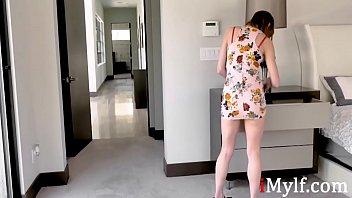 MOM and DAUGHTER use same dildo- Alexa Nova & Summer Hart